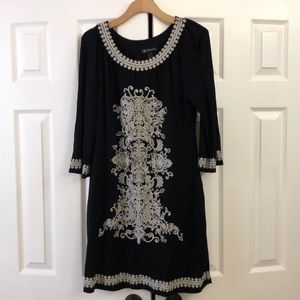 Embroidered dress with long sleeve